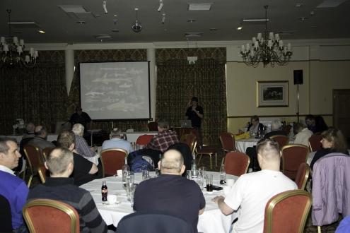 Abb. 01: Beim Vortrag von Mark SABAJ PERÉZ über Dornwelse lauschte das Publikum beeindruckt (Foto Andreas TANKE)
